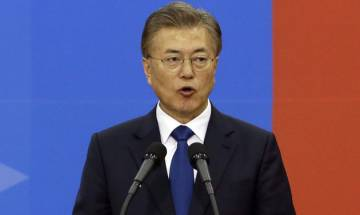 South Korea's Moon Jae-In willing to hold summit with Kim Jong-Un