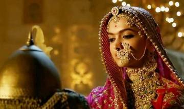 Allahabad HC issues contempt notice to Prasoon Joshi in connection with 'Padmaavat' release