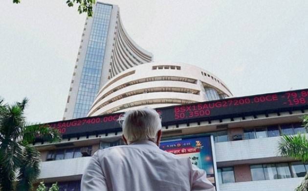 Sensex hits 35,000 mark as IT stocks lead gains (Source: PTI)