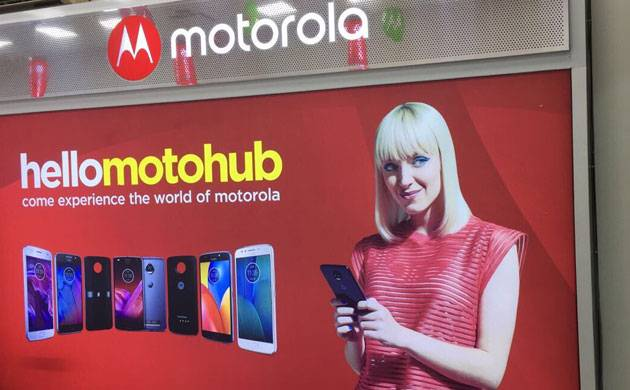 Motorola plans to open 50 motohub stores in Delhi by this month end (Source: Twitter)