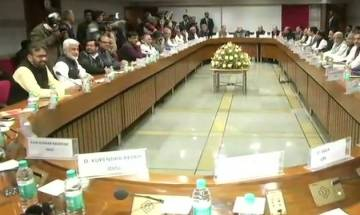 LS Speaker Sumitra Mahajan calls All Party Meet before Budget Session