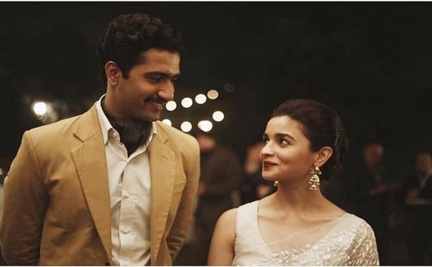 100 days to go for Raazi: Alia Bhatt-Vicky Kaushal look passionately in each other's eyes (Source- Dharma Productions' Twitter)