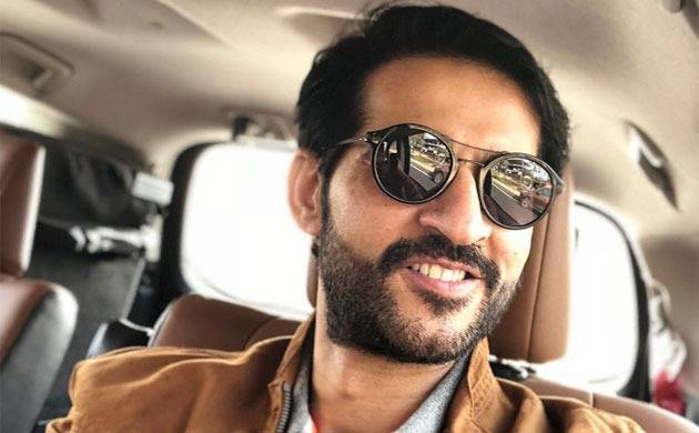 Bigg Boss 11 contestant Hiten Tejwani has some SPECIAL words for his FIRST Valentine (Source- Hiten's Twitter)
