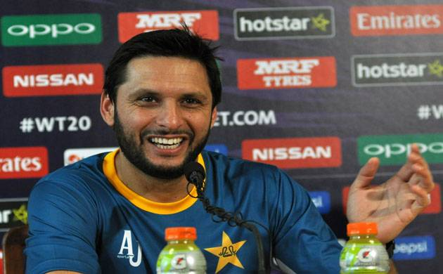 Shahid Afridi's HEARTWARMING gesture towards Indian fan will plaster a smile on your face (Source- IANS)