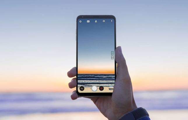 MWC 2018: LG V30S ThinQ launched ahead of event (Source: Twitter)