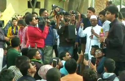 SSC exam paper leak: Anna Hazare joins agitating protesters; Cong calls it another Vyapam scam