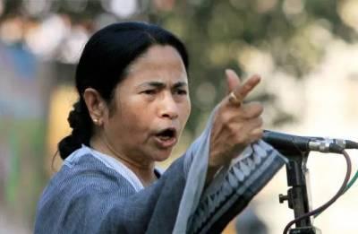 After KCR's third front remark, Mamata Banerjee eyes Lal Qila with slogan 'Delhi Chalo'