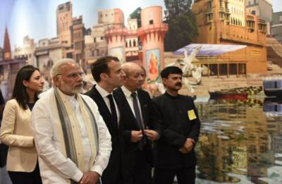 PM Modi, Emmanuel Macron enjoy boat ride at Assi Ghat in Varanasi