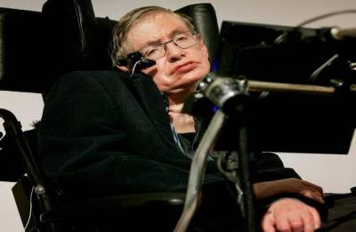 Stephen Hawking pays for homeless meals in final act of kindness