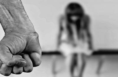 Uttar Pradesh man allegedly rapes 35-year-old daughter; calls two other friends to join