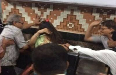 Youths of Kolkata offer free hugs outside Dum Dum metro station where couple faced 'moral policing'