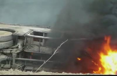 Motihari: At least 27 dead, several injured as bus catches fire after overturning