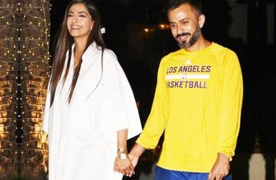 Sonam Kapoor's picture-perfect dinner date with hubby Anand Ahuja (see pic)