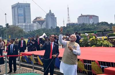 VIDEO: You can't mess with a Gujarati in kite flying and Modi proved it in Indonesia