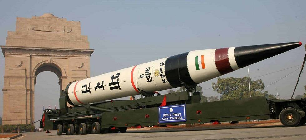 India successfully test-fires nuclear capable Agni-5 (File Photo)