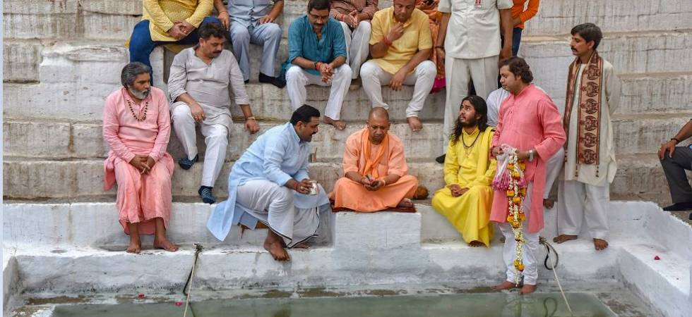 Sampark For Samarthan: Yogi visits Varanasi, meets eminent people (Photo Source: PTI)