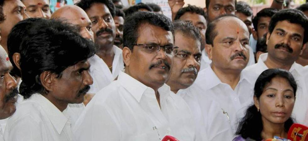 Madras High Court to announce verdict on 18 disqualified AIADMK MLAs today