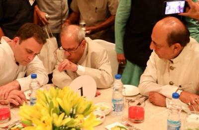 Iftaar party fails to impress; Rahul lacks lustre as credible challenger to Modi