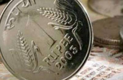 Rupee gains 19 paise, global dollar weakness helps