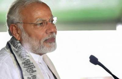 PM Modi says steered economy out of decay left by 'economist PM', 'know-it-all FM'