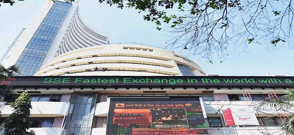 Sensex recovers 116 points on mixed global cues; Nifty above 10,700 (File Photo)