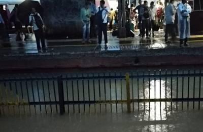 Heavy rain pounds Mumbai; Dabbawallahs cancel services, schools closed, trains running late