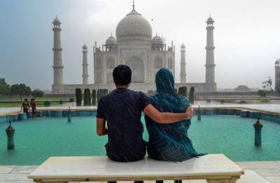 Supreme Court slams Centre, says Taj Mahal preservation 'hopeless cause'