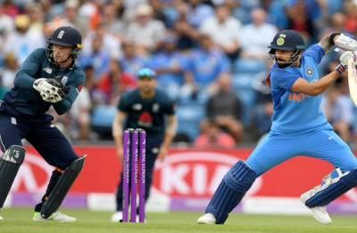 Kohli hits 71 but England manage to restrict India to modest 257