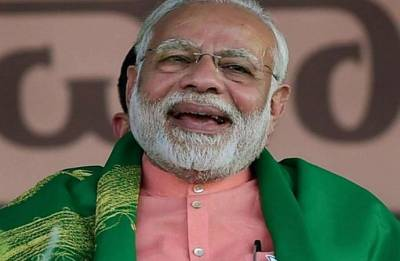When PM Narendra Modi responds to netizens on Twitter; agrees to smile more