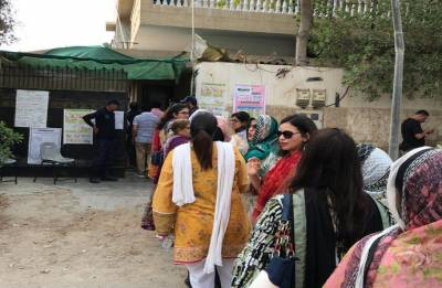 Pakistan Army stops media persons from entering polling stations in Punjab