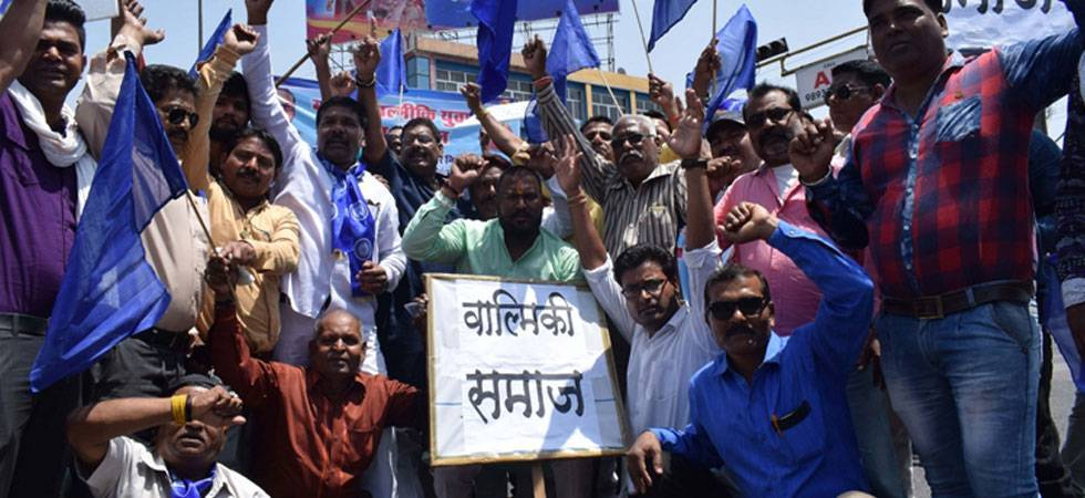 Dalits shouldn't be employed as manual scavengers: Dalit outfit to Kejriwal (File photo)