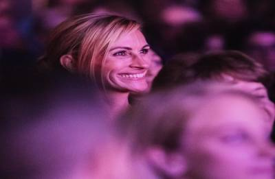 """Julia Roberts attend special preview of Broadway's """"Pretty Woman"""""""