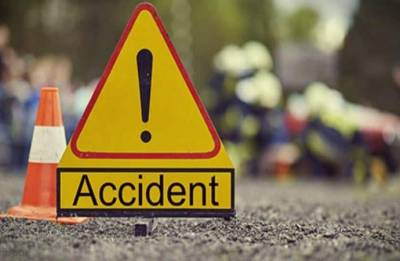 18 killed in Pakistan as bus collides with oil tanker