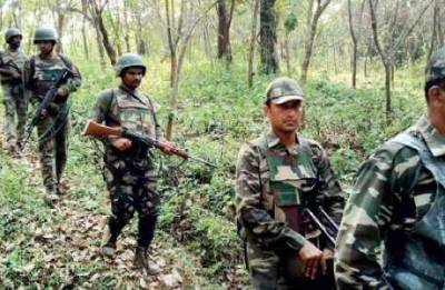Anti-naxal ops: CRPF turns contractor to build road in Bastar