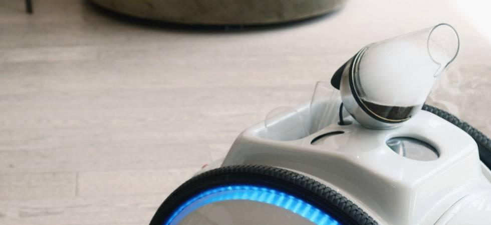 Robotic Waiter (Photo: Twitter)