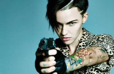 Ruby Rose to play lesbian superhero Batwoman in new TV series