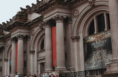 Metropolitan Museum of Art to return two ancient sculptures to India