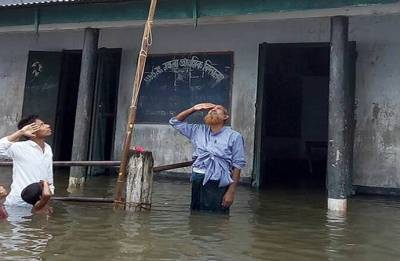Assam: Boy who saluted Tricolour in chest-deep flood water not in NRC draft