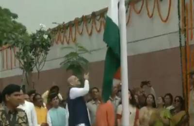 Congress mocks Amit Shah for dropping Tricolour at BJP headquarters