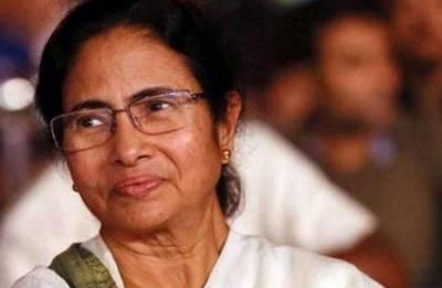 Mamata visits family members of Somnath Chatterjee