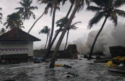Monsoon floods devastate Kerala, Karnataka, Gujarat; heavy rain alert in Goa
