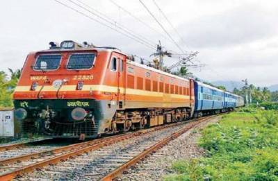Special trains to evacuate people stranded in Kerala