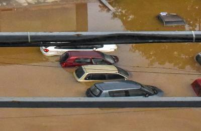 Who loves a good flood? Dealers, consumers eyeing luxury cars at throwaway prices