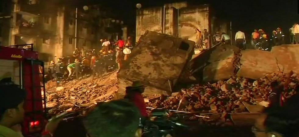 Ahmedabad: Four-storeyed building collapses in Odhav area, 10 feared trapped (Photo: Twitter/ANI)