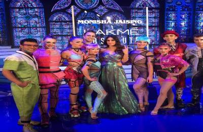 Kareena Kapoor Khan, Cirque De Soleil give breathtaking closure to Lakme Fashion Week Winter/Festive 2018