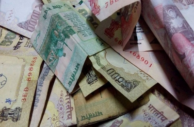 Rupee slides further by 15p to end at fresh lifetime low of 70.74 to dollar