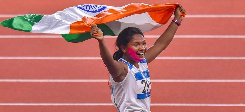 Mamata Banerjee offers government job, Rs 10 lakh to gold medalist Swapna Barman (Photo: Twitter)