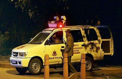 Delhi: Suspected cow smugglers open fire at policemen, two cows rescued