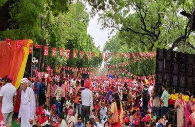 With demands of loan waiver, minimum wage, farmers turn Delhi into sea of red