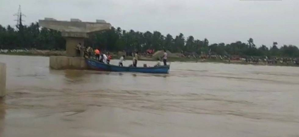 Child missing in West Bengal boat mishap; 20 swam to safety (PHOTO: PTI)